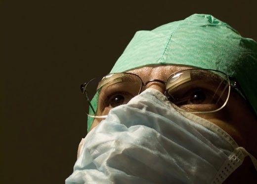 doktor med munskydd