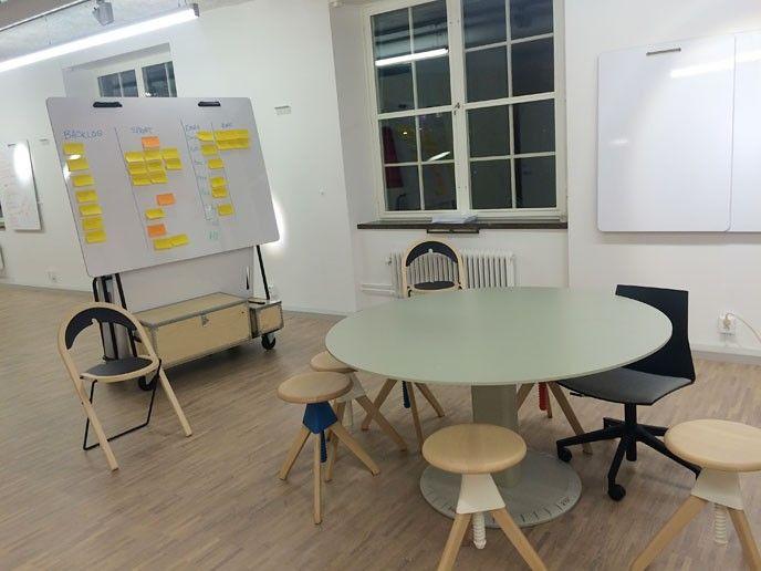 Open Labs på KTH, bord och whiteboard