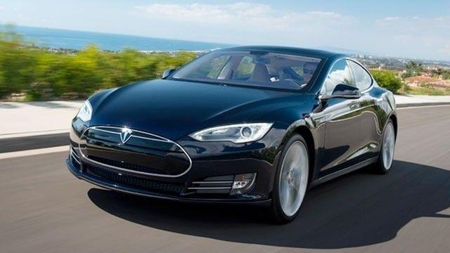 Tesla S uppdateras med autopilot