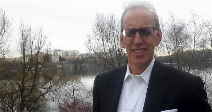 globala teknikchef, Larry Cohen