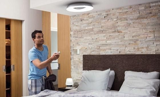 Philips Hue Still Taklampa