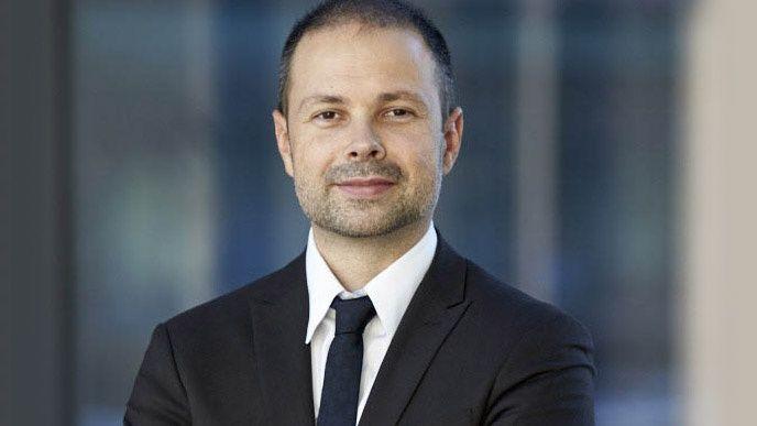 Paul Bari