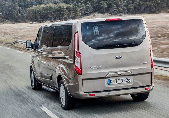 Ford Tourneo Custom Limited