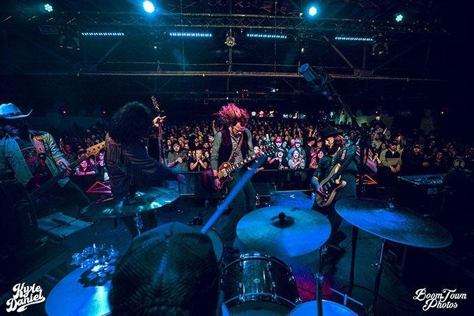Live i Tulsa, Oklahoma med Kyle Daniel