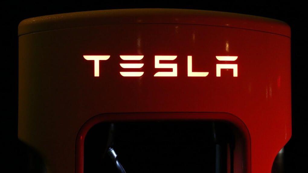 Uppgifter: Apple ville köpa Tesla för sex år sedan