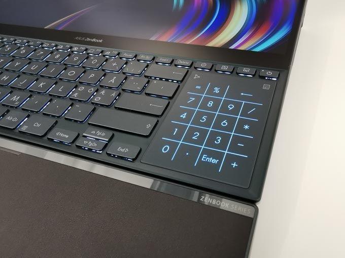 Asus Zenbook Pro Duo musplatta