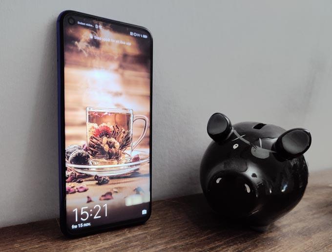 Huawei Nova 5T framifrån