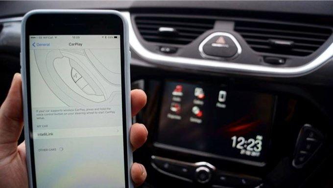 kan du koppla in din iPhone till din bil radio