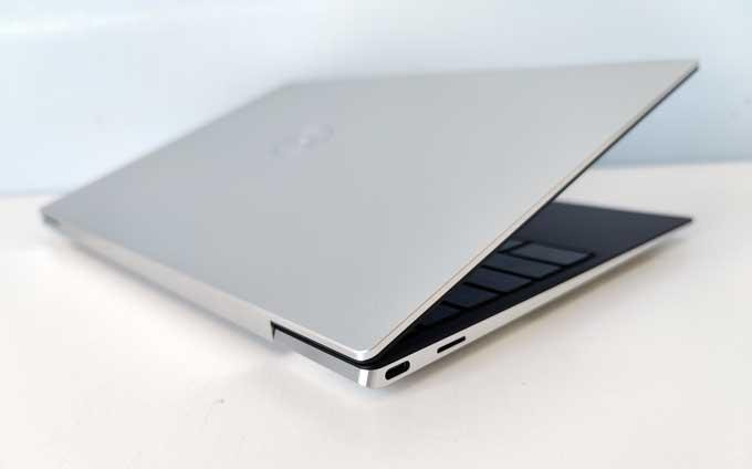 Dell XPS 13 9300 baksida