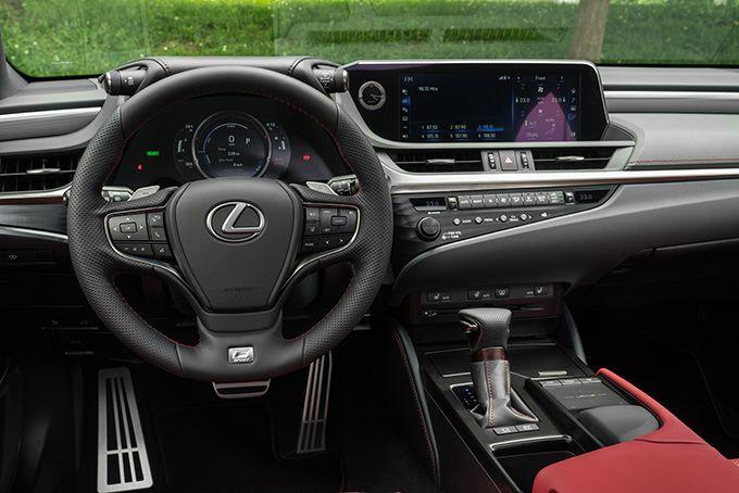 Test Lexus ES 300H