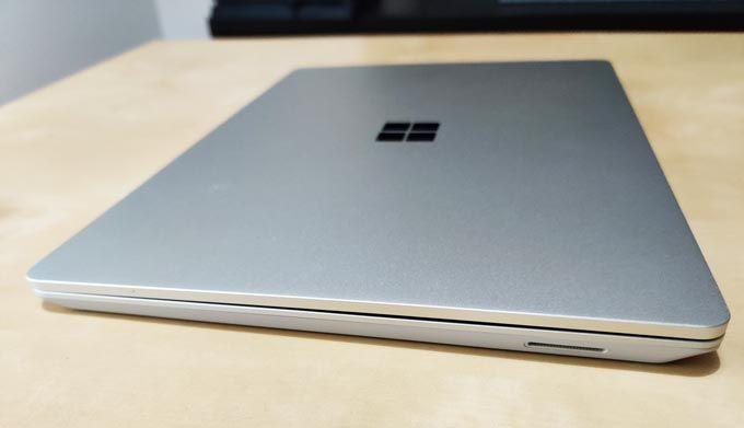 Surface Laptop Go stängd