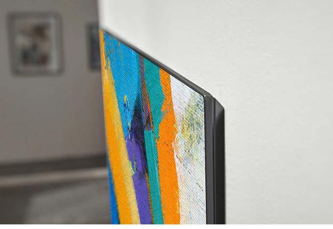 LG OLED65GX på vägg