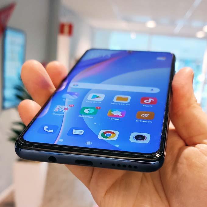 Xiaomi Mi 10T Lite i handen