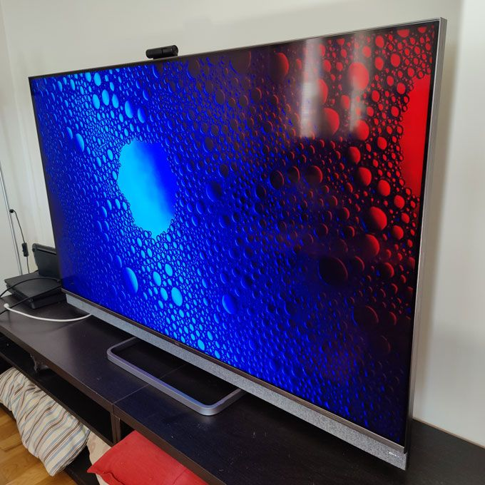 TCL C825