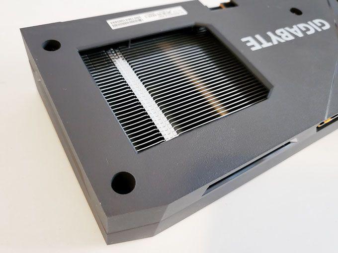 Gigabyte Radeon RX 6600 Eagle baksida