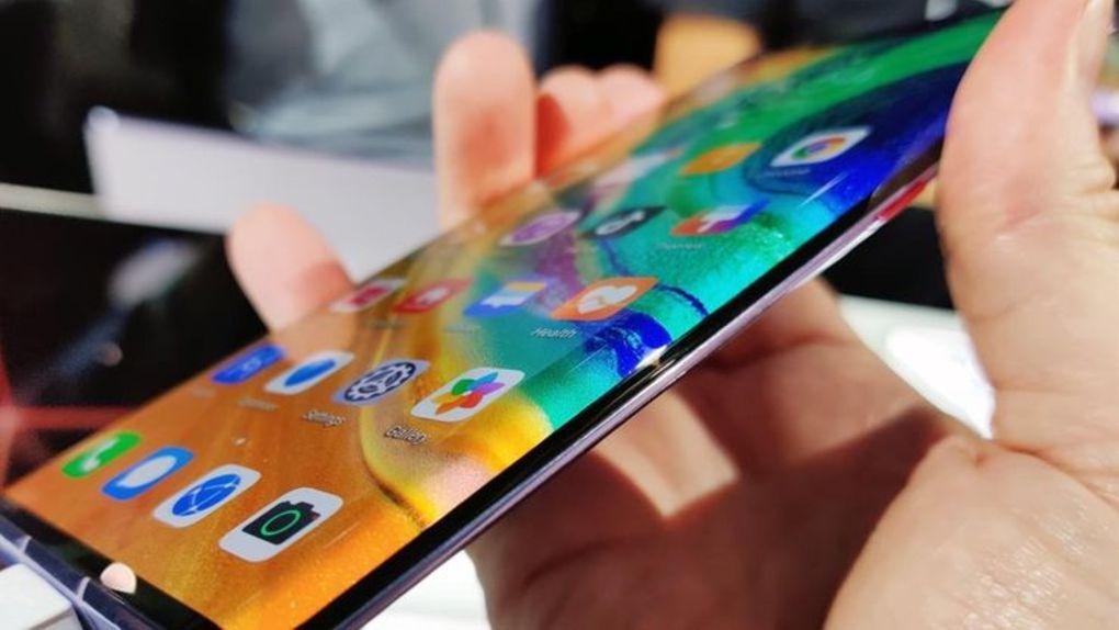 Google varnar Huawei-användare för att sidoladda företagets appar