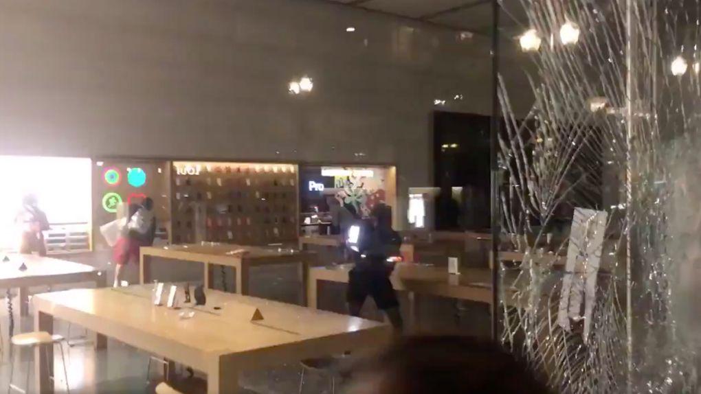 Apple stänger många butiker i USA på nytt