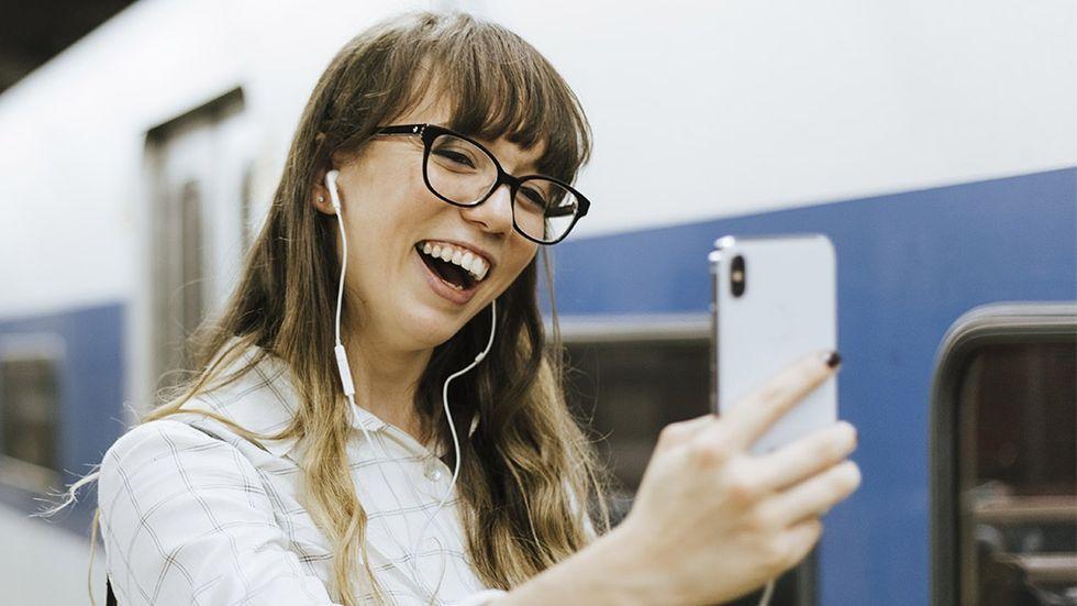 Apple utvecklar kamerafunktion för att ta grupp-selfies – på distans