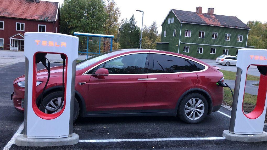 50 Tesla Superchargers nu på plats i Sverige