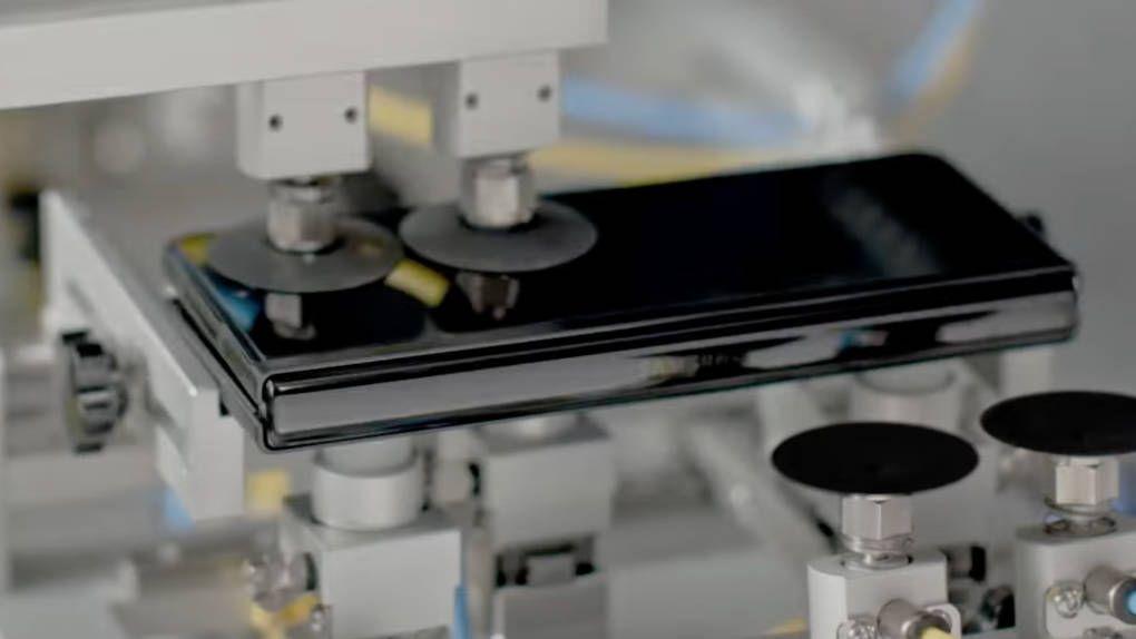 Vikbart – ömtåligt? Inte enligt Samsungs nya testvideo