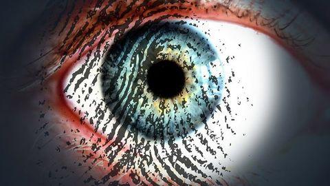 öga med bild av fingeravtryck