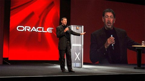 Oracles Larry Ellison på scen