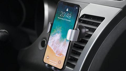Mobilhållare för bilen