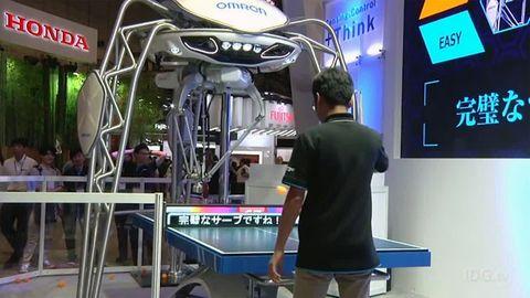 robot pingis