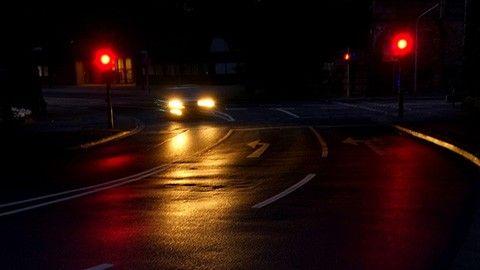 Bil vid trafikljus