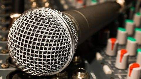 Mikrofon och mixerbord