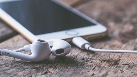 Iphone med hörlurar