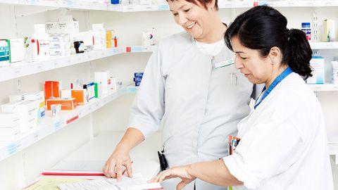 Läkare och apotekare