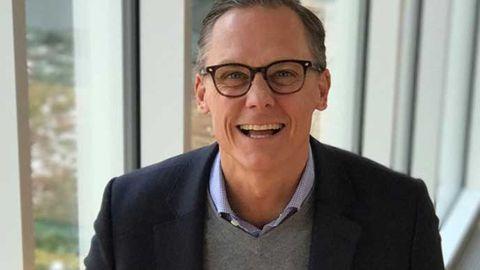 Fredrik Holmgren in som Tableaus Sverigechef