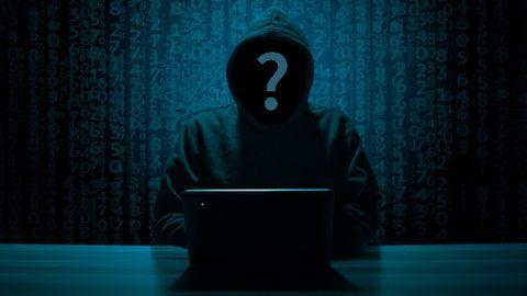 hacker-3342696_1920