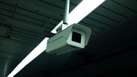 security camera cctv-2596537_1920