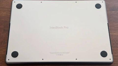 Undersidan på nya Macbook Pro