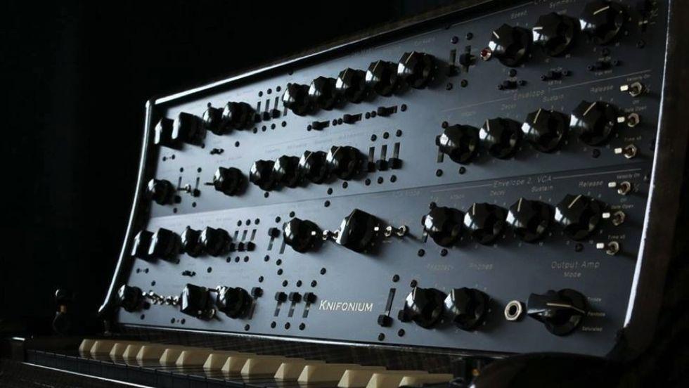 Knifonium