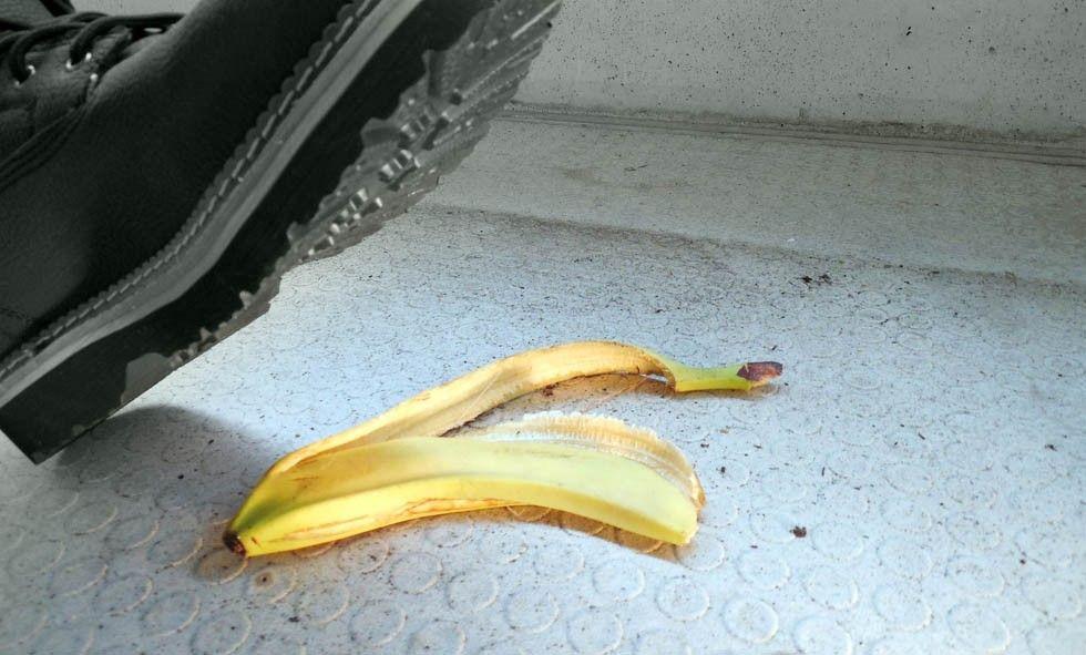 Halkar på bananskal