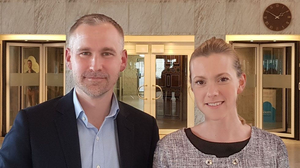 Lars Engvall och Sofia de Maré, Folksam