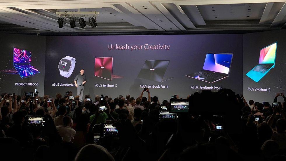 Bärbar med dubbel skärm och aktivitetsarmband: Här är Asus nya prylar