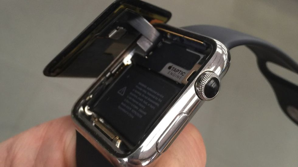 Skärmen har lossnat på Apple Watch