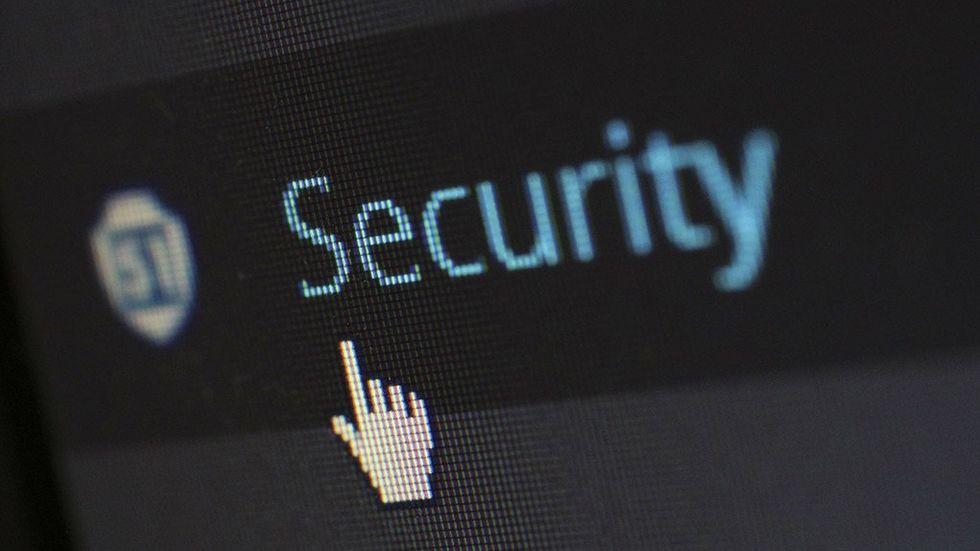 """Texten \""""Security\"""" inzoomad"""
