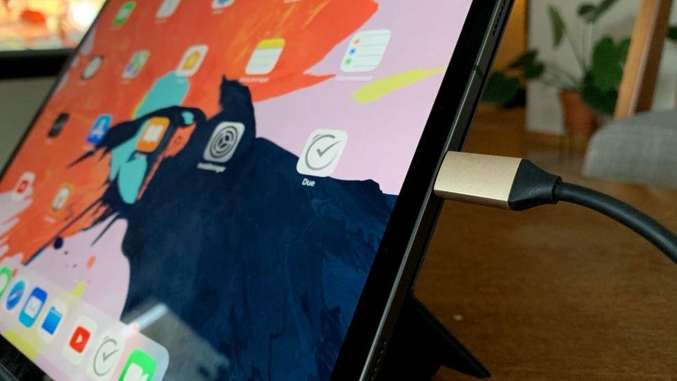 Hur ansluter jag min iPhone till min iPad