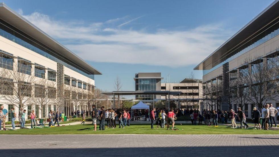 Apple bygger ännu ett jättekontor