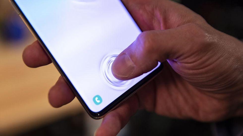 Galaxy S10 lurad fingeravtrycksläsare