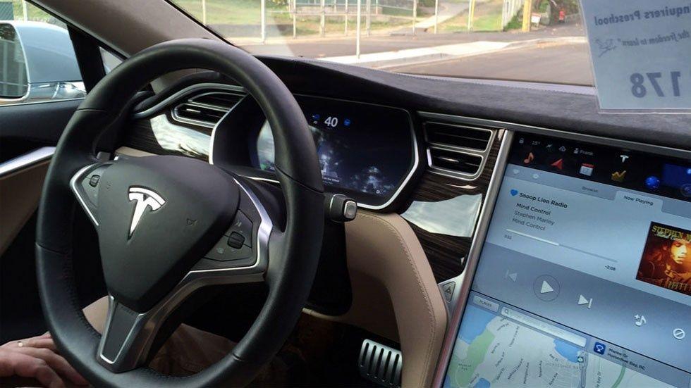 Apple anställer Tesla-chef