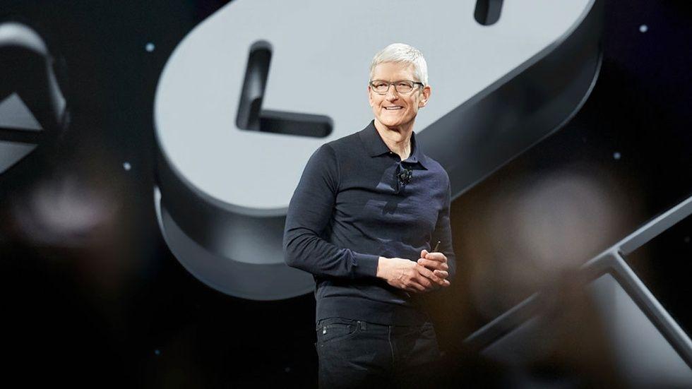 Apple Spotify Siri