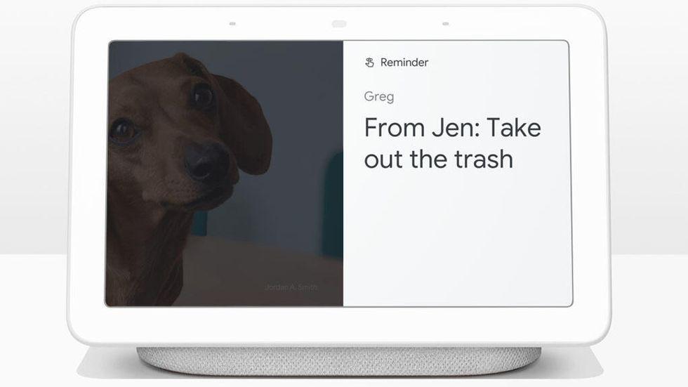 Skicka påminnelser till andra med Google Assistant