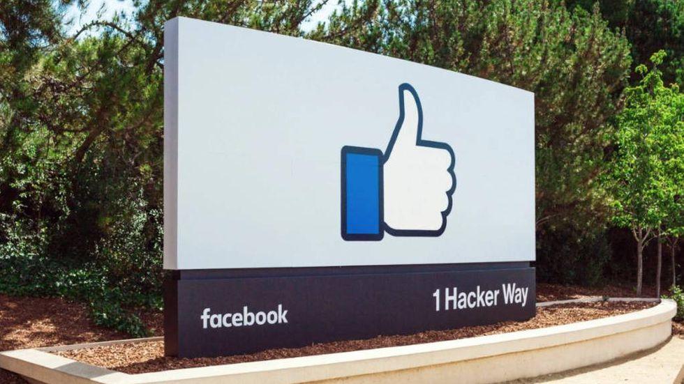 Skylt utanför Facebooks högkvarter