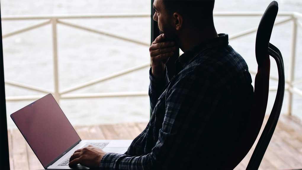 Många hemarbetare lider av kontorslängtan